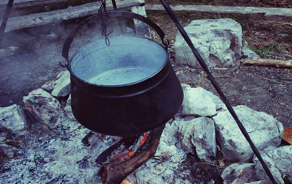 who invented the dutch oven and why are they so popular campfire cooking