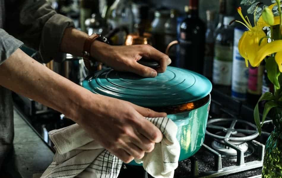 Do Professional Chefs Use Cast Iron and cast iron Dutch Ovens
